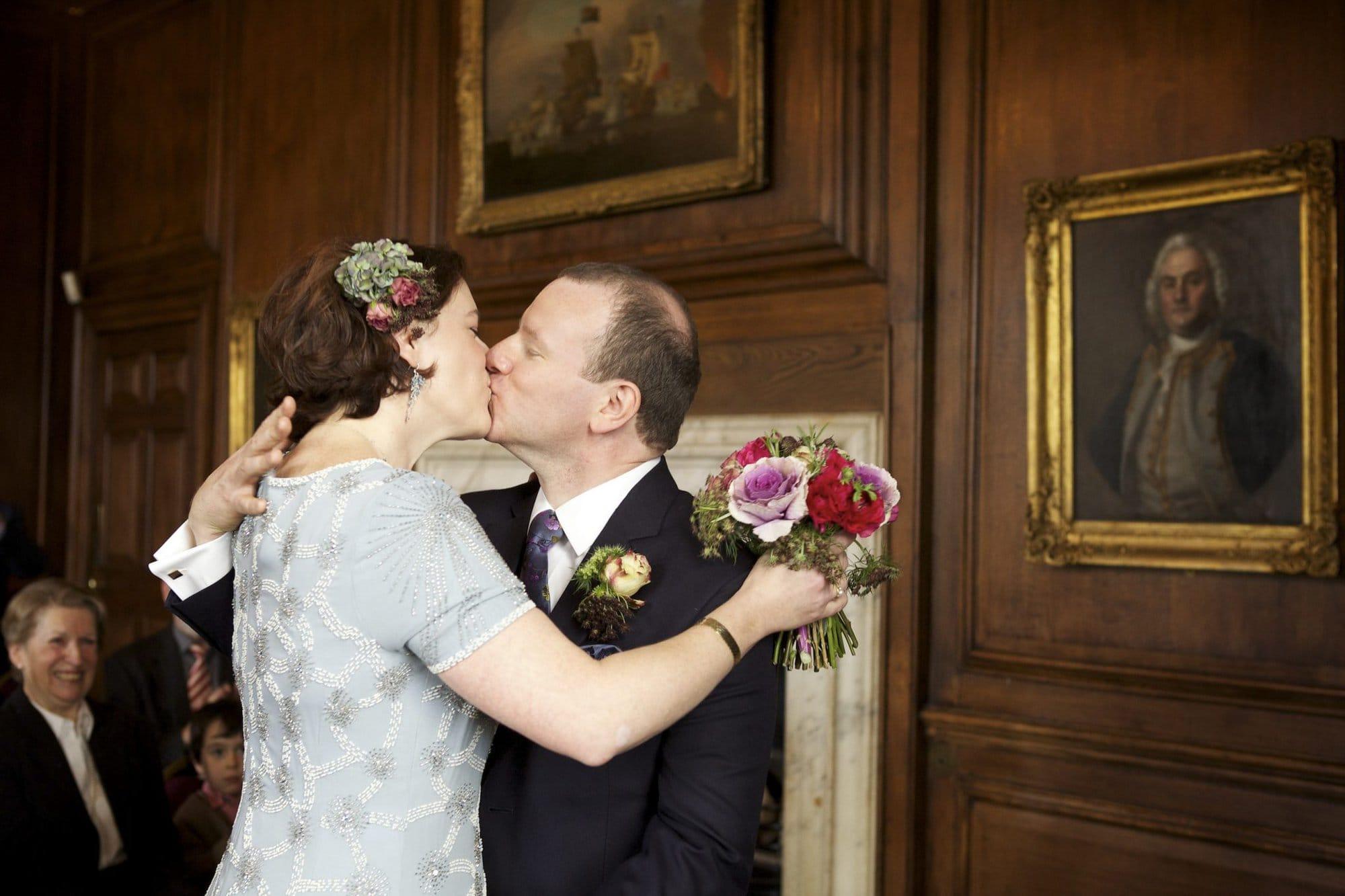 greenwich wedding first kiss