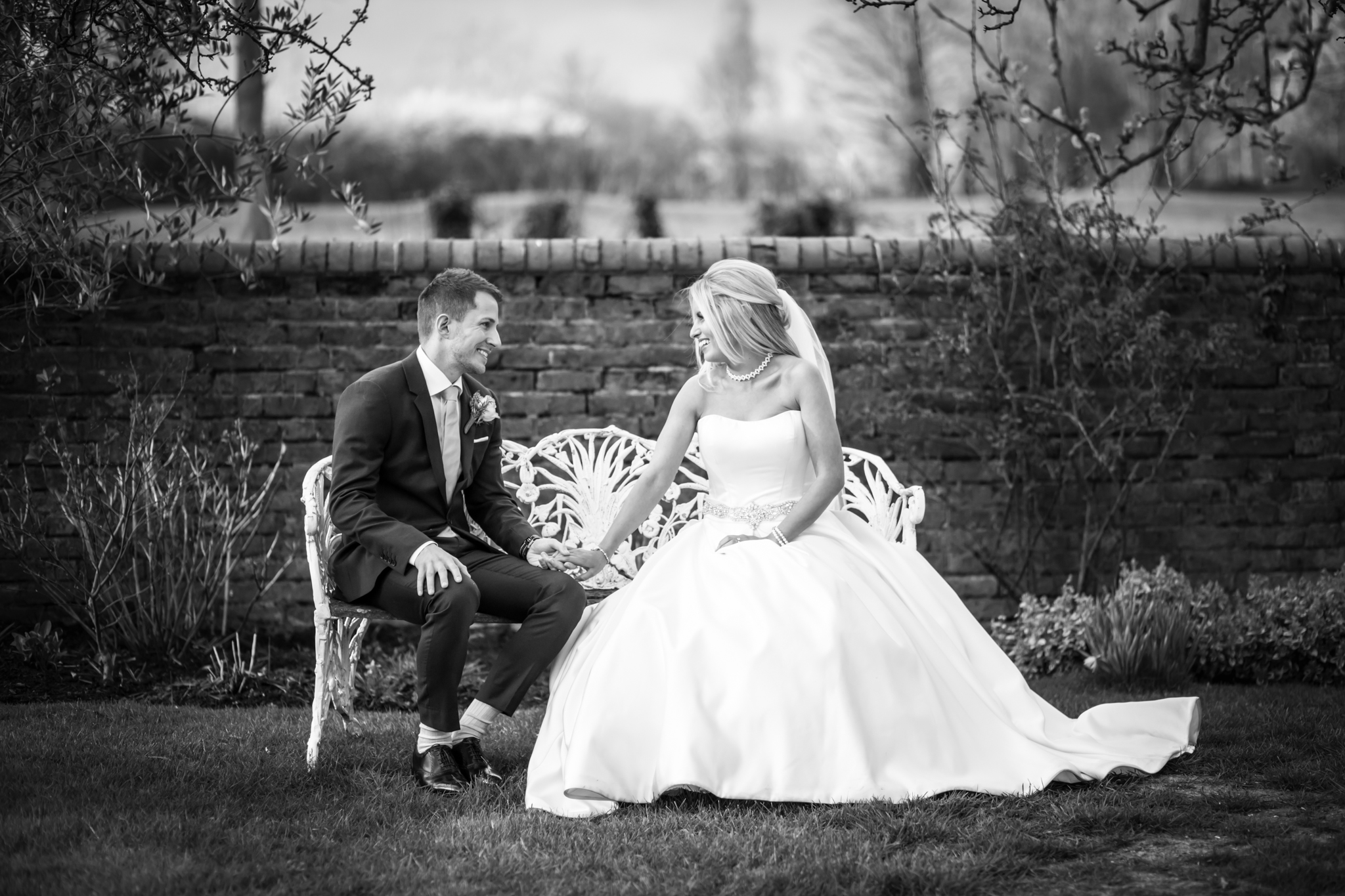 oaks farm wedding balck and white bride and groom